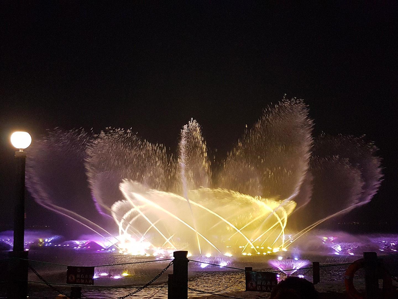 hangzhou west lake fountain