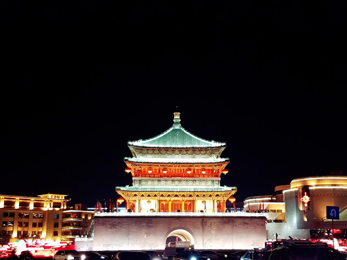 xian bell tower night