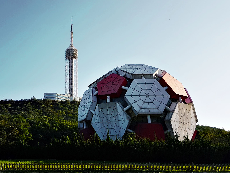 dalian liaoning football sculpture labor park