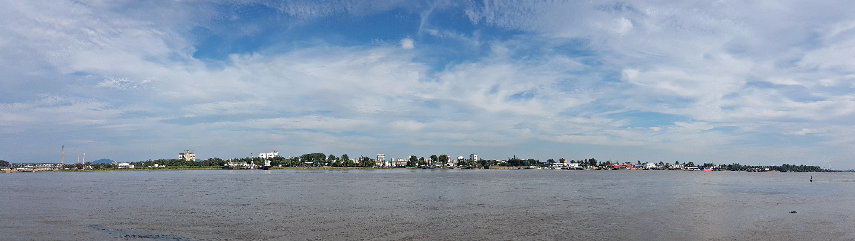 Sinuiju north korea across the yalu river, dandong china