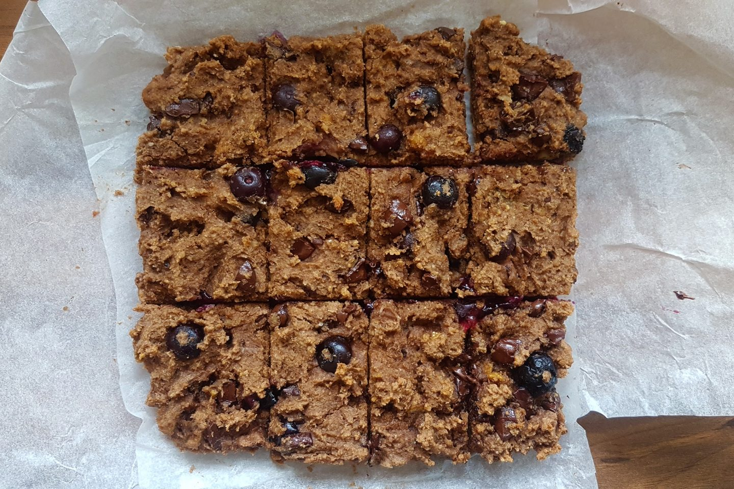 Blueberry and Chocolate Chickpea Blondies recipe healthy
